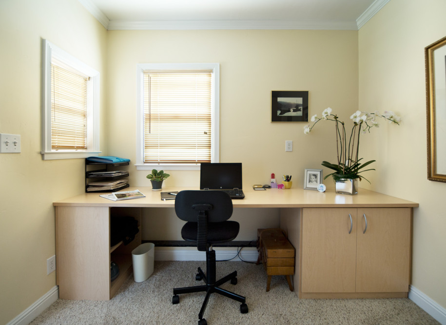 Tips for decorating your corporate office space with Best colors for small spaces